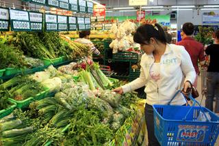 Xăng giảm 10 ngàn/lít thì rau, thịt vẫn tăng giá?