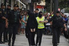Tây Ban Nha tóm thiếu nữ chuyên tuyển quân cho IS