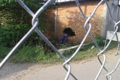 3 thanh niên lao xe máy thủng tường gạch, 2 người chết