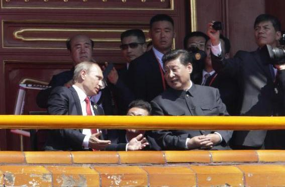 Putin 'nóng, lạnh' với Tập Cận Bình, hòa dịu với phương Tây?