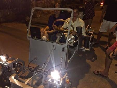 """Những """"siêu xe"""" tự chế của nông dân Việt"""