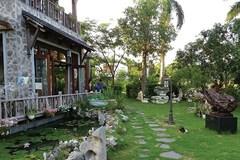 Vườn đá cảnh triệu năm của đại gia Sài Gòn