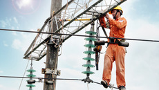 Dọa lỗ ngàn tỷ, thêm cớ tăng nhanh giá điện
