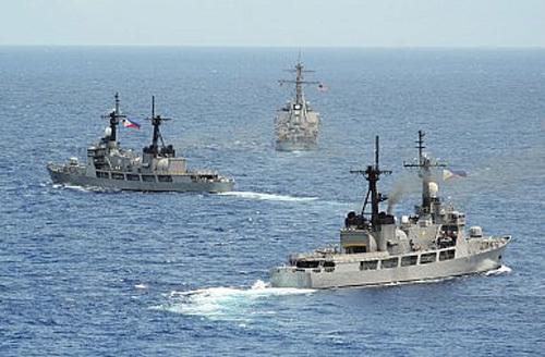 Mỹ cấp 4 tàu tuần tra cho Philippines