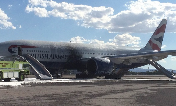Máy bay Anh bốc cháy tại sân bay Mỹ