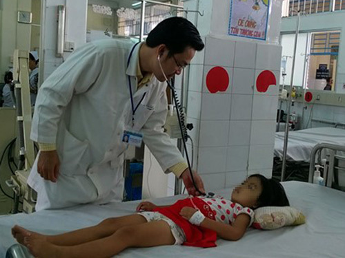 Sốt xuất huyết: Đừng để con chết vì nhập viện trễ