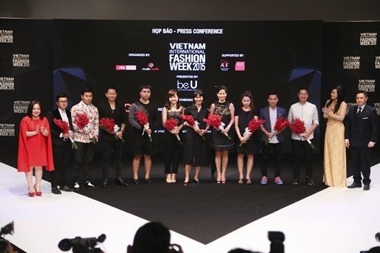 Dàn mẫu Next Top tham gia Tuần lễ thời trang quốc tế Việt Nam 2