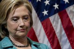 """Bước """"xuống nước"""" nhọc nhằn của Hillary Clinton"""