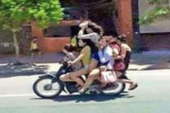 Dẹp 'đội quân' chuyên chở nữ tiếp viên đánh võng trên đường