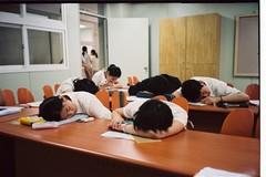 Con vào lớp 1, giờ đi ngủ tốt là từ 7h đến 7h30 tối!