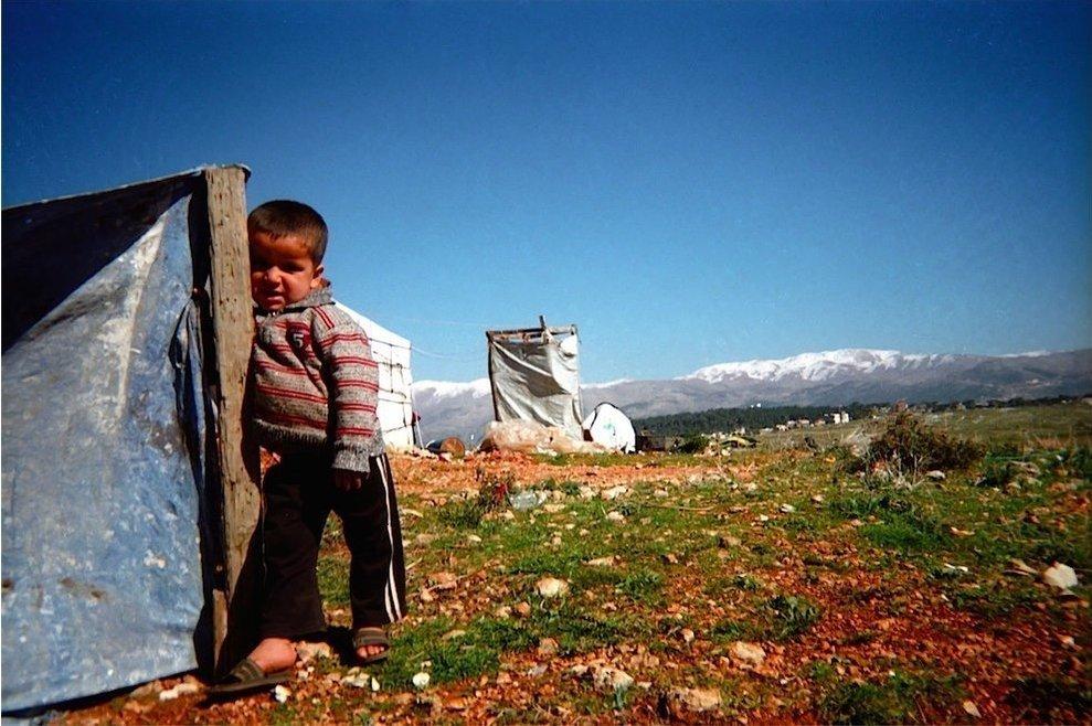 Chùm ảnh đặc tả nỗi khổ của trẻ em ở trại tị nạn - 1