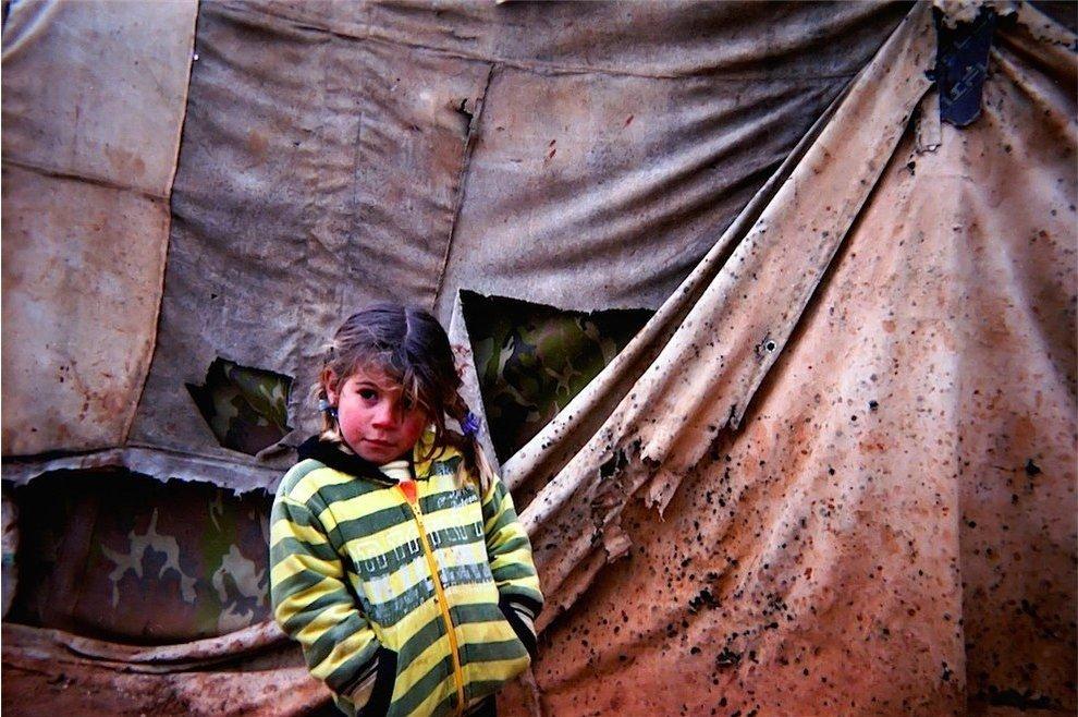 Chùm ảnh đặc tả nỗi khổ của trẻ em ở trại tị nạn - 3
