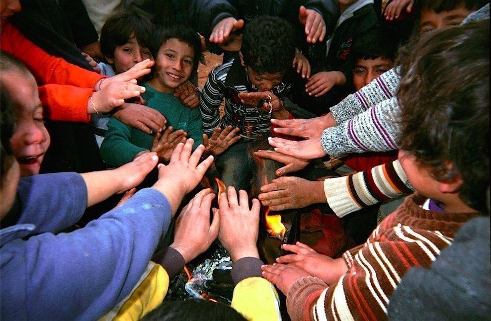 Chùm ảnh đặc tả nỗi khổ của trẻ em ở trại tị nạn - 5