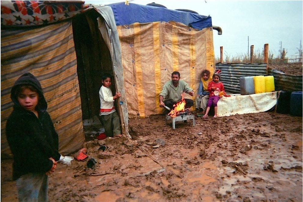 Chùm ảnh đặc tả nỗi khổ của trẻ em ở trại tị nạn - 6