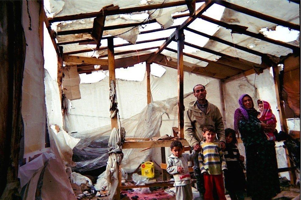 Chùm ảnh đặc tả nỗi khổ của trẻ em ở trại tị nạn - 11