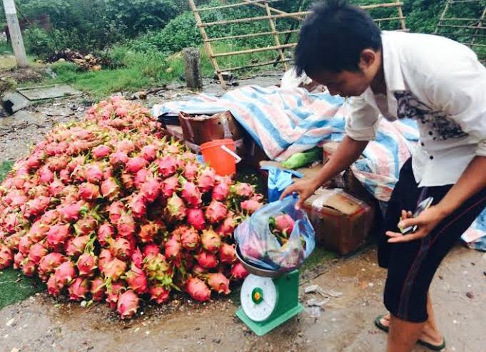 Thanh long Việt Nam tại Dubai có giá 100.000 đồng/kg