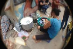 Ăn bưng ở quán cháo sườn Ngõ Huyện nức tiếng Hà Nội