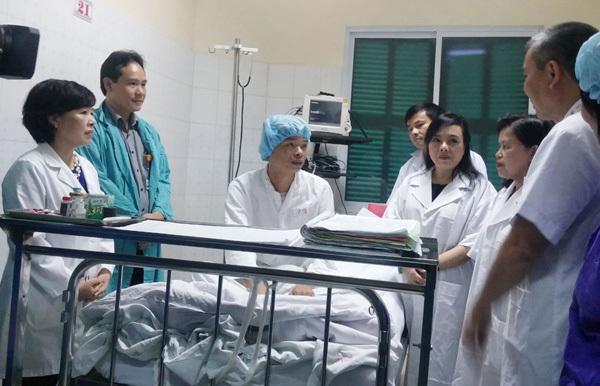 Bộ trưởng Y tế tính mua trực thăng vận chuyển tạng