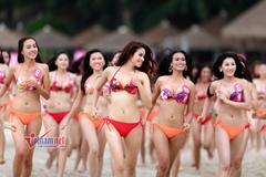 Ngắm các người đẹp Hoa hậu Hoàn vũ VN 2015 diện bikini