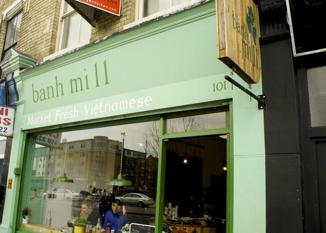 Tốt nghiệp Oxford, mở quán bánh mỳ Việt ở London