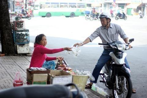 Vào 'chợ đàn ông' giữa Sài Gòn