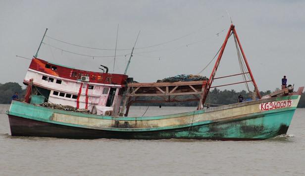 6 tàu cá VN bị tấn công, 3 người thương vong