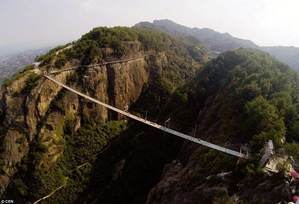 cầu, lơ lửng, thủy tinh, Trung Quốc, công nhân, xây dựng, đỉnh núi