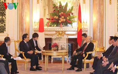 Tổng bí thư hội kiến nhà Vua Nhật Akihito