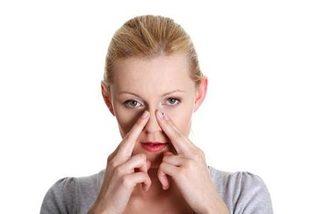 Mẹo đơn giản chữa nấc cụt, nghẹt mũi cực hiệu quả