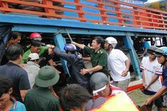 Cứu sống 25 ngư dân gặp nạn trên biển