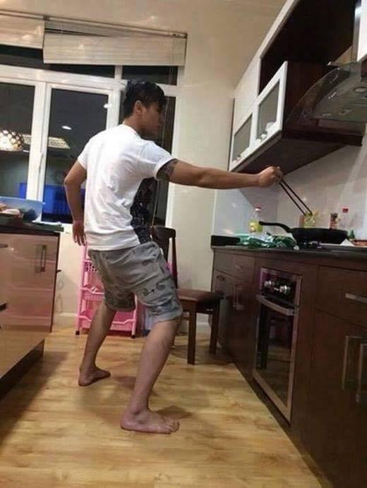 """Cười vỡ bụng với chùm ảnh """"khi đàn ông vào bếp"""""""