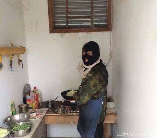 chùm ảnh, đàn ông, vào bếp, nội trợ