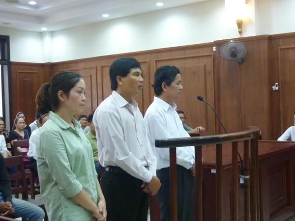 Gia đình 3 trẻ tử vong xin giảm án cho bác sĩ tiêm nhầm thuốc
