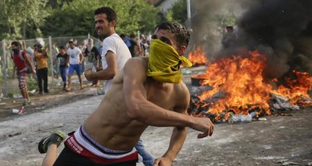 Thế giới 24h: Hungary bắt khủng bố trong dòng người di cư