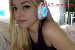 Nữ game thủ kiếm đến 12.000 USD chỉ vì bỏ Liên Minh Huyền Thoại sang chơi DOTA 2