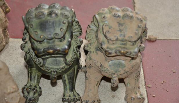 Làm giả cổ vật quý hiếm gạ bán cho nhà chùa