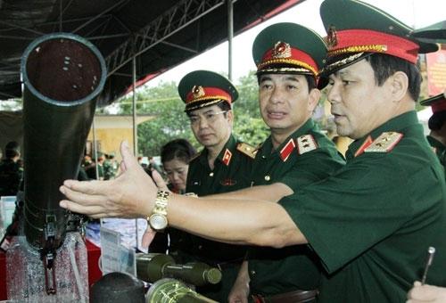 Tổng cục Công nghiệp quốc phòng trình diễn vũ khí mới