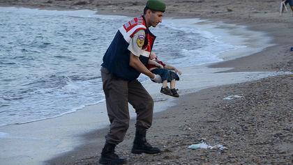 Di cư, tị nạn, chết đuối, buôn người