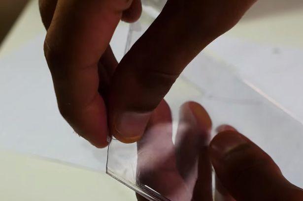 Chế phụ kiện xem hình 3D thú vị trên smartphone