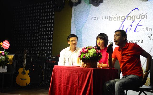Mẹ ca sĩ Bằng Kiều bất ngờ về Việt Nam ngâm thơ