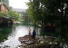 Hà Nội: Nước mưa ngập xanh như bể bơi