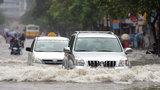 Thủy kích và những điều cần biết khi lái ô tô vùng ngập nước