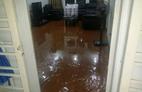 Chung cư cao cấp cũng ngập nước
