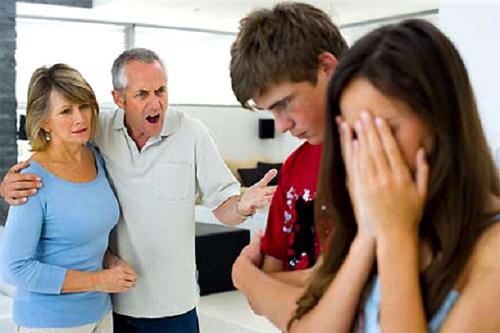 mâu thuẫn mẹ chồng nàng dâu, khác máu tanh lòng, mâu thuẫn chị chồng em dâu, mang thai ngoài ý muốn, chuyện nhà chồng