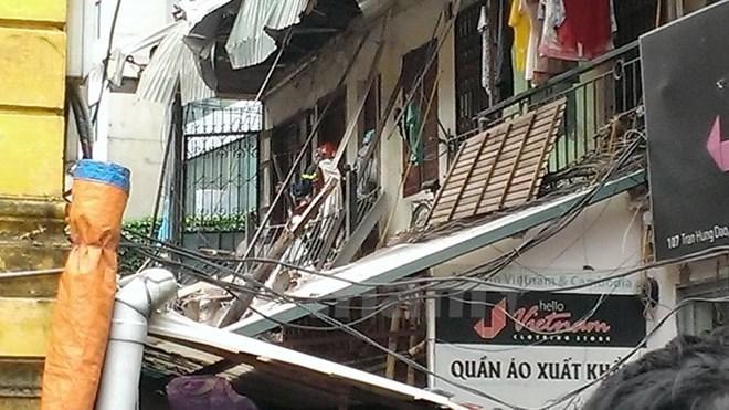 Sập biệt thự cổ: Cảnh báo nguy hiểm ở 2 khối nhà còn lại