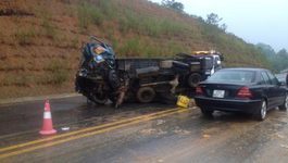 Xe đón dâu gặp nạn trên cao tốc, 2 người chết