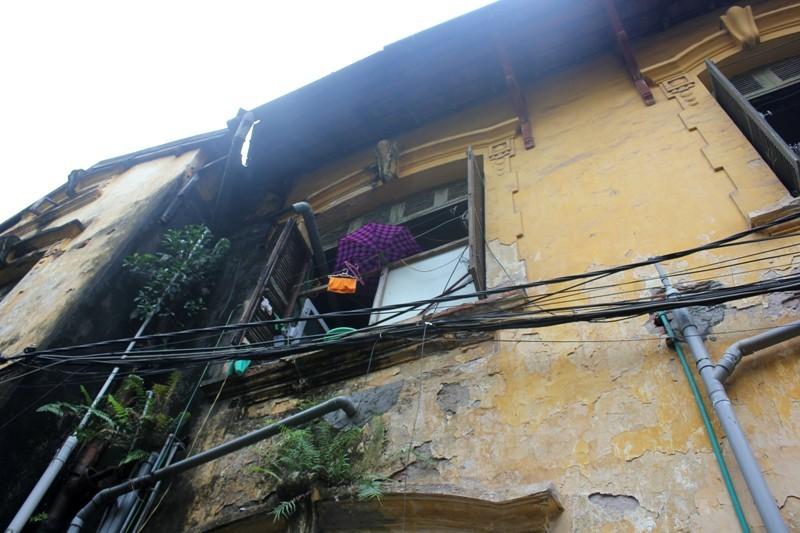 Phập phồng sống trong biệt thự 100 tuổi