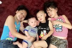 Mẹ Việt xinh đẹp chia sẻ bí quyết nuôi dạy con tự lập từ bé