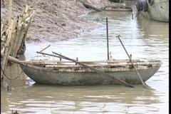 Quái chiêu của 'thủy tặc' trên sông Cấm