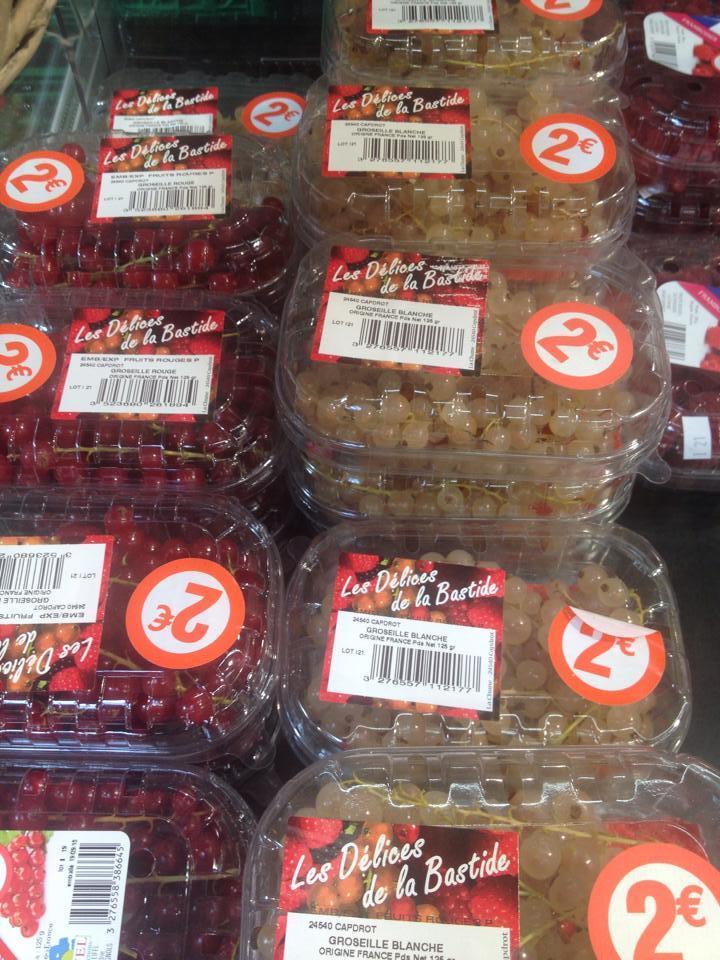 Nho chuỗi ngọc 2 triệu trong siêu thị Pháp bán 500 nghìn